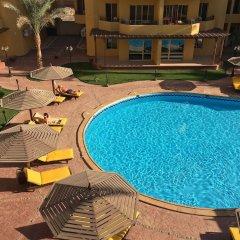 Отель Pool View Apart At British Resort 221 бассейн