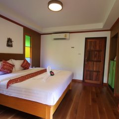 Отель Lanta Andaleaf Bungalow Ланта комната для гостей