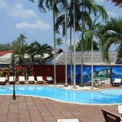 Отель Ao Nang Beach Resort бассейн