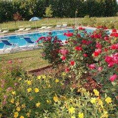 Отель Villa Pinella Прамаджоре бассейн