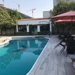 Отель Al Khalidiah Resort ОАЭ, Шарджа - 1 отзыв об отеле, цены и фото номеров - забронировать отель Al Khalidiah Resort онлайн бассейн фото 5