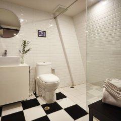 Отель Blok Thonglor Таиланд, Бангкок - отзывы, цены и фото номеров - забронировать отель Blok Thonglor онлайн ванная