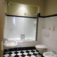 Отель Cerretani 4 Duomo Guesthouse - My Extra Home Италия, Флоренция - отзывы, цены и фото номеров - забронировать отель Cerretani 4 Duomo Guesthouse - My Extra Home онлайн ванная фото 2