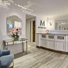 Mirrors Hotel интерьер отеля