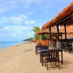 Отель Peace Paradise Beach пляж