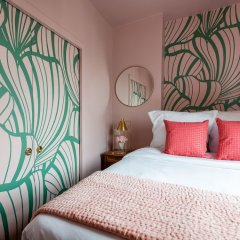 Отель Luxury 2 Bedroom With AC - Louvre & Champs Elysees Париж комната для гостей фото 3