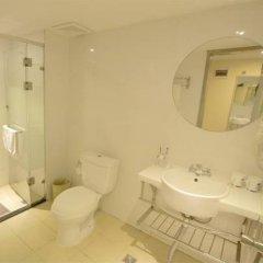 Отель Hanting Express Hotel Beijing Liufang Branch Китай, Пекин - отзывы, цены и фото номеров - забронировать отель Hanting Express Hotel Beijing Liufang Branch онлайн ванная