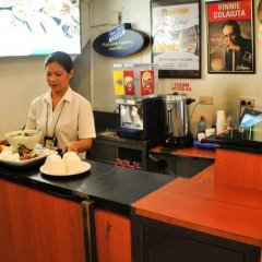 Отель Fersal Hotel - Manila Филиппины, Манила - отзывы, цены и фото номеров - забронировать отель Fersal Hotel - Manila онлайн гостиничный бар