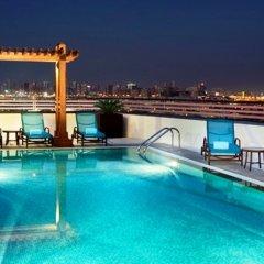 Отель Hilton Garden Inn Dubai Al Muraqabat Дубай бассейн фото 3