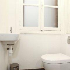 Отель Marais - Francs Bourgeois Apartment Франция, Париж - отзывы, цены и фото номеров - забронировать отель Marais - Francs Bourgeois Apartment онлайн ванная фото 2