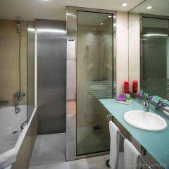 Отель Ayre Hotel Caspe Испания, Барселона - 8 отзывов об отеле, цены и фото номеров - забронировать отель Ayre Hotel Caspe онлайн ванная