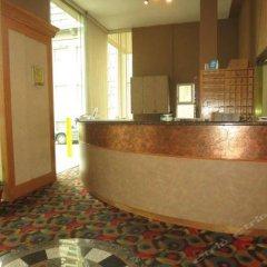 Отель Tropicana Suite Hotel Канада, Ванкувер - отзывы, цены и фото номеров - забронировать отель Tropicana Suite Hotel онлайн интерьер отеля фото 3