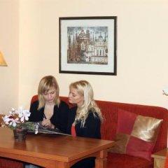 Отель Alexa Old Town Литва, Вильнюс - 14 отзывов об отеле, цены и фото номеров - забронировать отель Alexa Old Town онлайн интерьер отеля фото 3