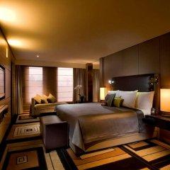 Отель Hilton Beijing Wangfujing сейф в номере