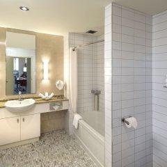 Отель Le Square Phillips Hotel And Suites Канада, Монреаль - отзывы, цены и фото номеров - забронировать отель Le Square Phillips Hotel And Suites онлайн ванная фото 2