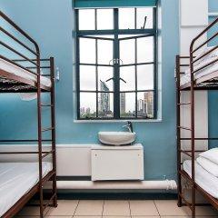 Отель Restup London Кровать в общем номере фото 2