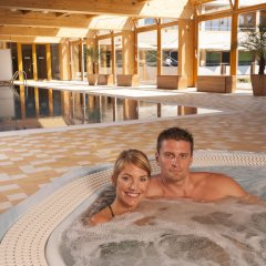 Отель Park Holiday Прага бассейн