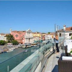 Отель Carlton on the Grand Canal Италия, Венеция - 3 отзыва об отеле, цены и фото номеров - забронировать отель Carlton on the Grand Canal онлайн балкон