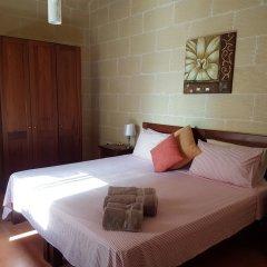 Отель Gozo Hills Bed and Breakfast комната для гостей фото 2