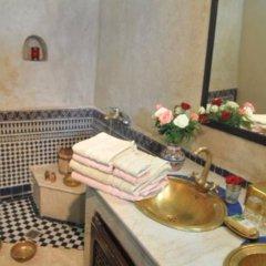 Отель Riad Adarissa Марокко, Фес - отзывы, цены и фото номеров - забронировать отель Riad Adarissa онлайн бассейн фото 2