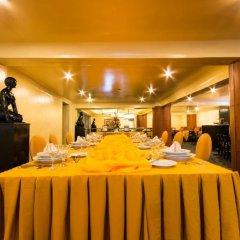 Отель Miramar Hotel Филиппины, Манила - отзывы, цены и фото номеров - забронировать отель Miramar Hotel онлайн питание фото 2