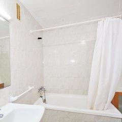 Отель Apartamentos Llevant ванная
