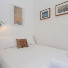 Апартаменты 1 Bedroom Apartment In Fitzrovia Sleeps 4 комната для гостей фото 2