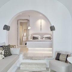 Отель Cosmopolitan Suites Греция, Остров Санторини - отзывы, цены и фото номеров - забронировать отель Cosmopolitan Suites онлайн комната для гостей фото 5