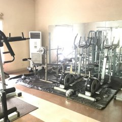 Отель Ritz-Carinton Suites Нигерия, Энугу - отзывы, цены и фото номеров - забронировать отель Ritz-Carinton Suites онлайн фитнесс-зал