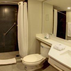 Отель City Express Nuevo Laredo Мексика, Нуэво-Ларедо - отзывы, цены и фото номеров - забронировать отель City Express Nuevo Laredo онлайн ванная