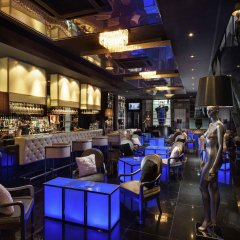 VIE Hotel Bangkok, MGallery by Sofitel гостиничный бар