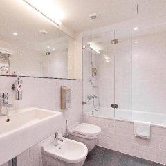 Азимут Отель Уфа 4* Стандартный номер с 2 отдельными кроватями фото 10