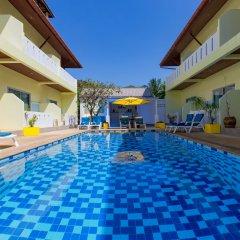 Отель Baan Chaylay Karon бассейн