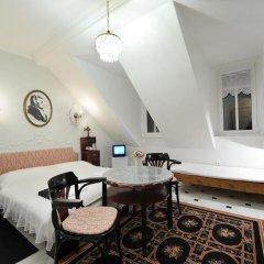 Отель Pension Amadeus комната для гостей фото 4