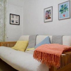Отель Comfortable 1 Bedroom Flat in Belsize Park Великобритания, Лондон - отзывы, цены и фото номеров - забронировать отель Comfortable 1 Bedroom Flat in Belsize Park онлайн комната для гостей фото 4