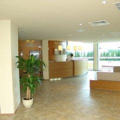 Отель Aparthotel Marina Holiday Club & SPA - All Inclusive Болгария, Поморие - отзывы, цены и фото номеров - забронировать отель Aparthotel Marina Holiday Club & SPA - All Inclusive онлайн интерьер отеля фото 2