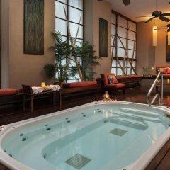 Отель Executive Hotel Cosmopolitan Toronto Канада, Торонто - отзывы, цены и фото номеров - забронировать отель Executive Hotel Cosmopolitan Toronto онлайн бассейн