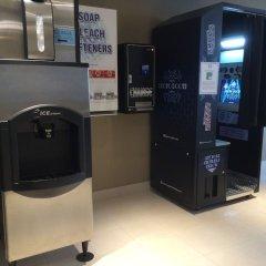 Отель Century Plaza Hotel & Spa Канада, Ванкувер - отзывы, цены и фото номеров - забронировать отель Century Plaza Hotel & Spa онлайн банкомат