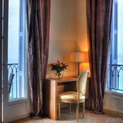 Отель Hôtel La Pérouse Франция, Ницца - 2 отзыва об отеле, цены и фото номеров - забронировать отель Hôtel La Pérouse онлайн балкон
