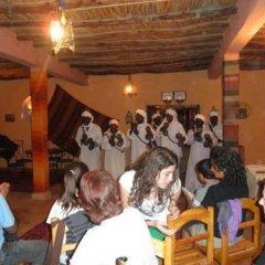 Отель Riad Les Flamants Roses Марокко, Мерзуга - отзывы, цены и фото номеров - забронировать отель Riad Les Flamants Roses онлайн питание