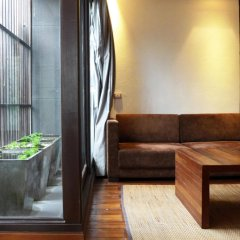 Отель Luxx Xl At Lungsuan Бангкок балкон