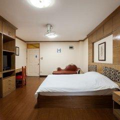 Отель The Aiyapura Bangkok сейф в номере