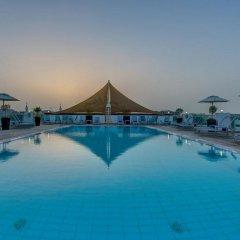 Отель J5 Hotels Port Saeed Дубай бассейн