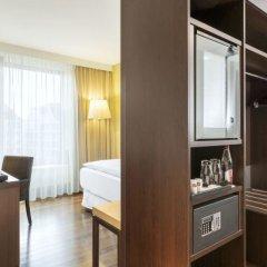 Отель NH Collection Dresden Altmarkt сейф в номере