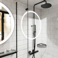 Hotel With Urban Deli ванная
