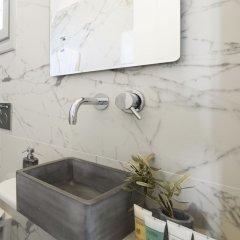 Отель Tramonto Private Villa Греция, Остров Санторини - отзывы, цены и фото номеров - забронировать отель Tramonto Private Villa онлайн ванная фото 2