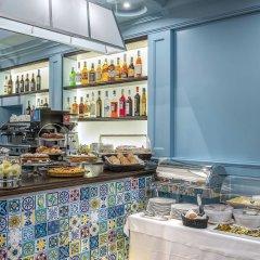 Отель Martis Palace Hotel Rome Италия, Рим - отзывы, цены и фото номеров - забронировать отель Martis Palace Hotel Rome онлайн гостиничный бар