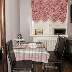 Апартаменты Funny Dolphins Apartments Nikoloyamskaya в номере фото 2