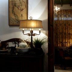 Отель The Bhuthorn Bed and Breakfast интерьер отеля
