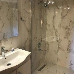 Serra Otel Турция, Урла - отзывы, цены и фото номеров - забронировать отель Serra Otel онлайн ванная